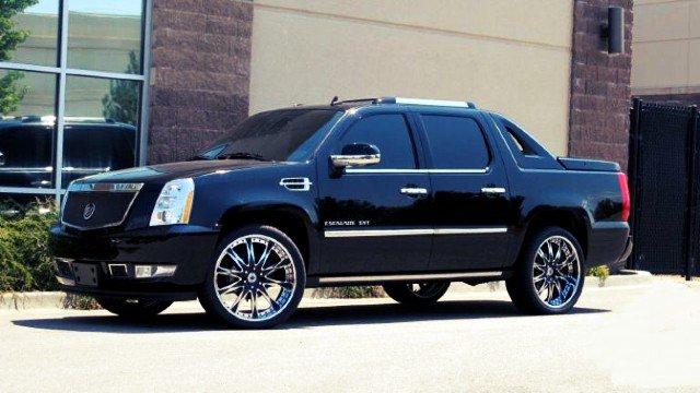 Cadillac-Escalade-EXT-Engine-Driving-Range