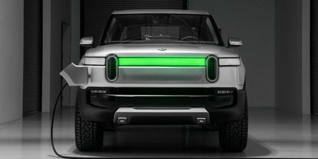 2021-Rivian-R1T-Driving-Range