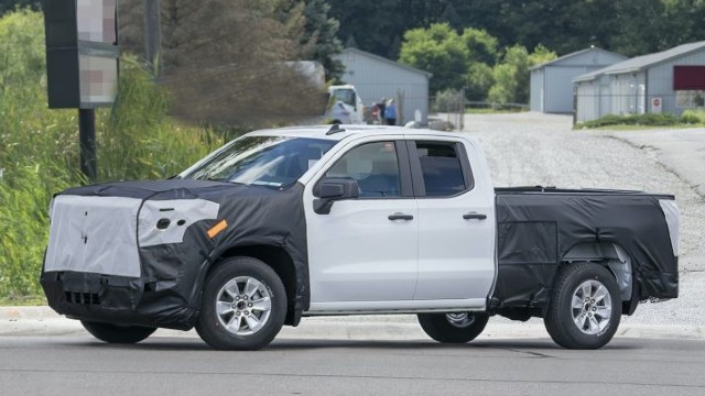 2022 Chevrolet Silverado spy shots