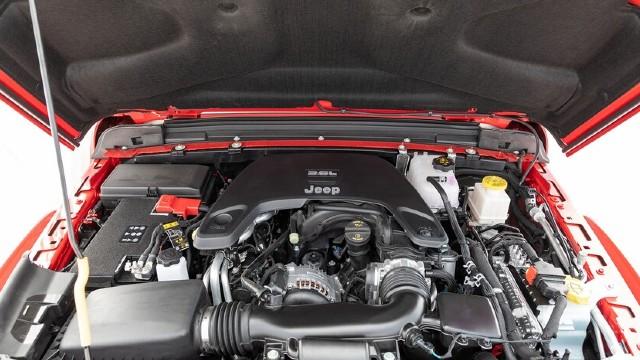 2022 Jeep Gladiator Mojave engine