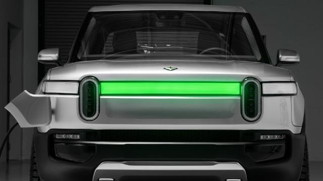 2022 Rivian R1T charging