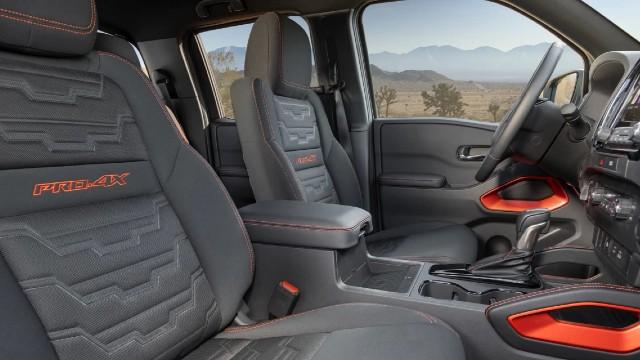 2022 Nissan Frontier Pro-4X interior