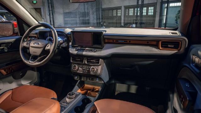 2022 Ford Maverick Hybrid interior