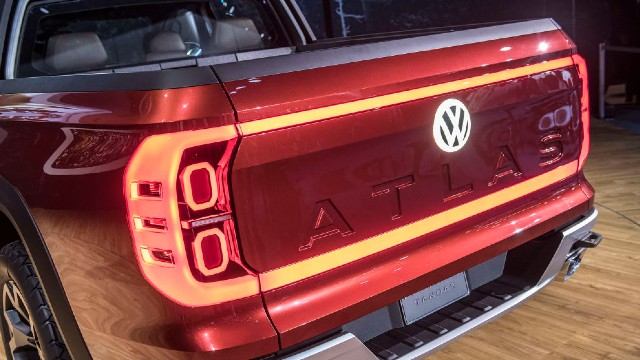 2022 VW Atlas Tanoak specs