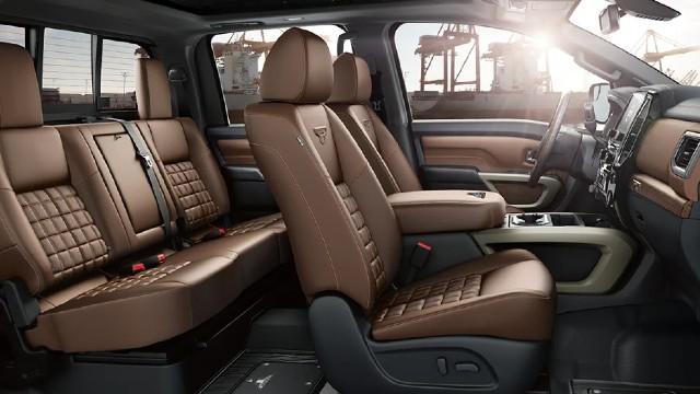 2023 Nissan Titan interior